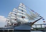海王丸の総帆展帆・満船飾