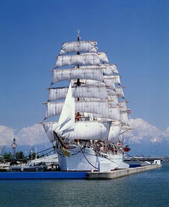 海の貴婦人 帆船海王丸